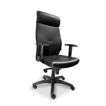 HOWARD Silla Ejecutiva de espaldar alto con cabezal integrado, asiento y respaldar revestido en cuero con ajuste de inclinación del respaldo, mecanismo sincronizado, brazos ajustables en poliuretano y base de nylon.